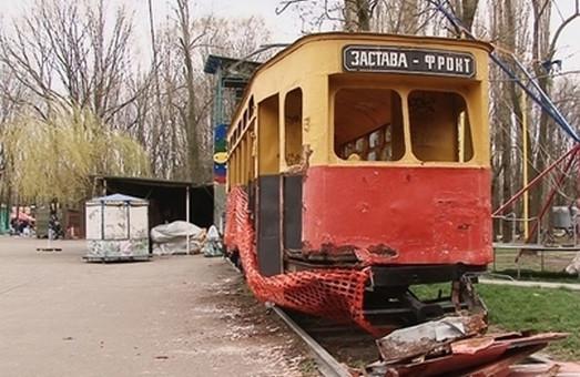 В Одессе ремонтируют трамвай-памятник