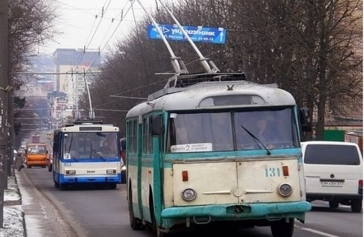 Городской транспорт Ровно переходит в специальный режим