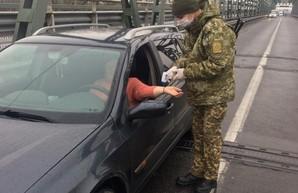 С завтрашнего дня все еще можно будет пересечь границу Украины на собственном автотранспорте или пешком