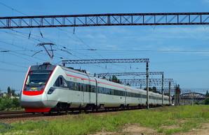 """После карантина поезд """"Интерсити"""" будет ехать от Одессы до Киева 4 часа"""