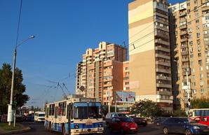 В Одессе перекрыли на ремонт вторую половину перекрестка проспекта Небесной Сотни и линии 13-го трамвая
