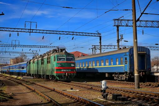 Возобновление движения пассажирских поездов будет не раньше середины мая,- министр