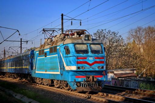 Поезда и автобусы могут пойти с 12 мая, - министр