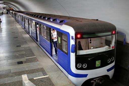 Харьков получит 8 новых поездов метро со сквозным проходом между вагонами