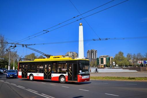 Украинский производитель решил устанавливать на свои троллейбусы и автобусы системы обеззараживания