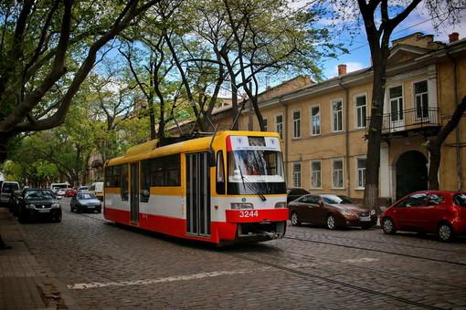 О снятии ограничений с городского транспорта и метро правительство будет думать завтра