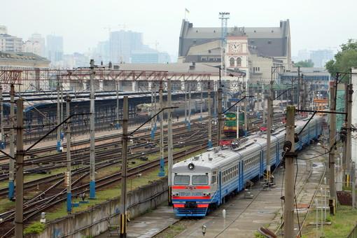Какие пригородные поезда запускают на Донецкой железной дороге