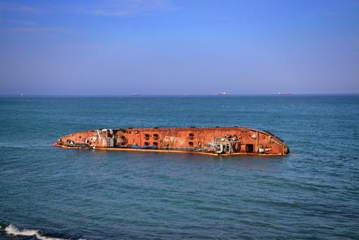 """Судьбу танкера """"Delfi"""" будут решать 16 июля"""
