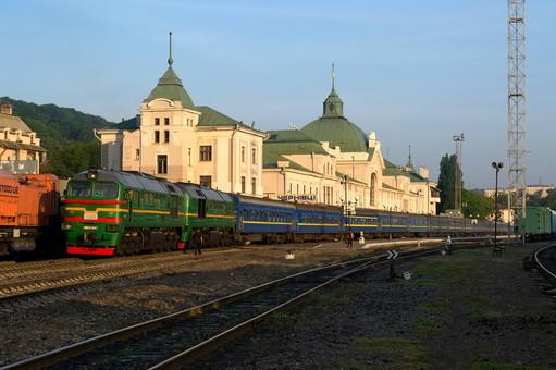 Восстанавливаются пассажирские поезда в Черновцы