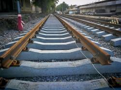 На Новощепном Ряду начали прокладывать новые трамвайные рельсы (ФОТО)