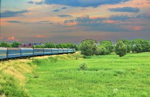 Железная дорога ограничивает движение поездов в районе Черновцов и Коломыи