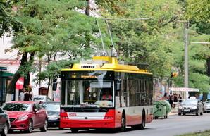 В Одессе два маршрута троллейбуса и три маршрута автобуса изменили свою трассу