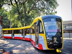 """В Одессе сделали второй сочлененный трамвай """"Одиссей-Макс"""" (ФОТО, ВИДЕО)"""