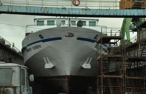"""В Одессе на судоремонтном заводе """"Украина"""" ремонтируют пассажирский речной лайнер"""