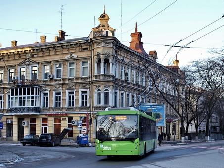 Сегодня в Одессе перекрыта часть улицы Торговой: общественный транспорт идет в объезд