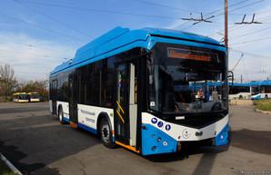 """В Мариуполь поступают первые """"автономные"""" троллейбусы"""