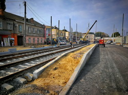 Ремонт Новощепного Ряда в Одессе: монтируют предпоследний участок новых трамвайных путей (ФОТО)