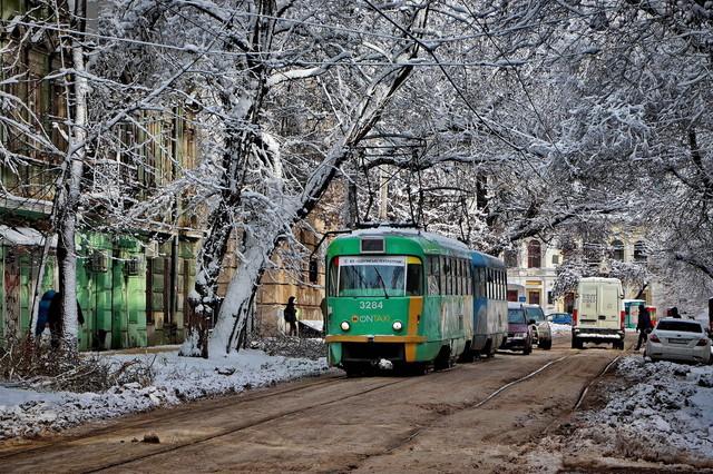 В понедельник на дорогах Одесской области могут быть сложности из-за снегопада
