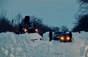 Дороги в Одесской области чистят от снега