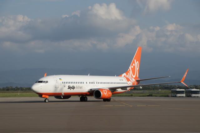 Авиакомпания SkyUp третий день не может выполнить туристический рейс с Занзибара