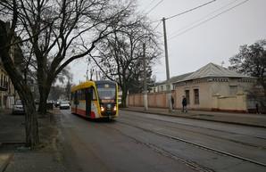 В Одессе приступают к залатыванию ям на дорогах