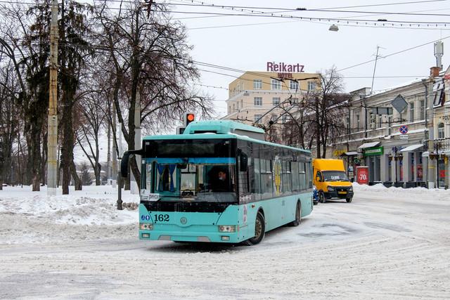 В Сумах проезд в троллейбусах делают бесплатным для школьников