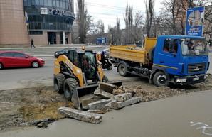 Как в Одессе ремонтируют улицу Черняховского (ФОТО, ВИДЕО)