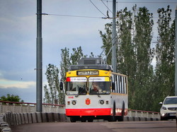 Как в Одессе ходили троллейбусы по Ивановскому путепроводу (ФОТО)