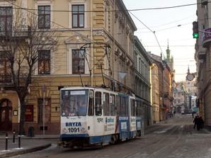 Карантин: во Львове общественный транспорт переходит в режим спецперевозок