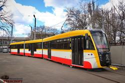 """В Одессе построили третий трехсекционный трамвай """"Одиссей-Макс"""" (ВИДЕО)"""