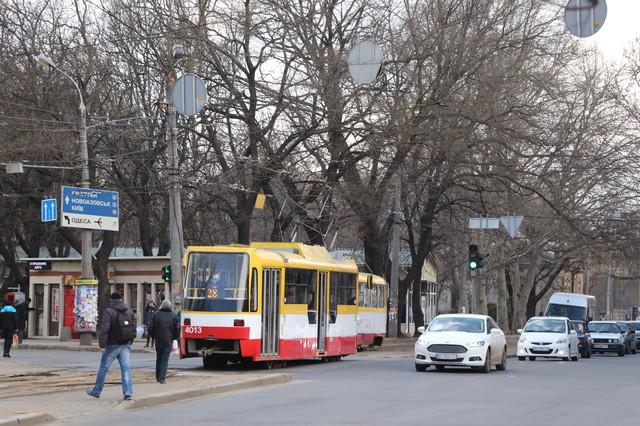В Одессе ремонтируют дороги в субботу и воскресенье