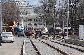 Где в Одессе ремонтируют дороги 14 апреля