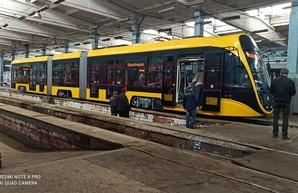 Новый трамвай одесско-днепровской компании выходит на испытания