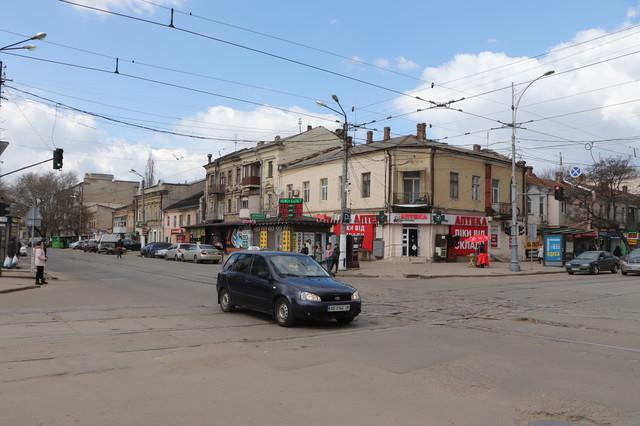 В Одессе ремонтируют дороги