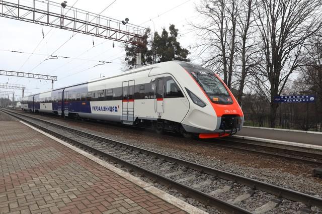 Крюковский завод изготовил новый дизель-поезд