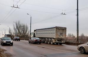 В Одессе будут запрещать движение грузовиков в часы пик