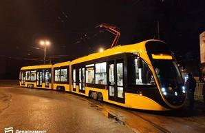 Новый трамвай одесско-днепровской компании испытали на улицах Днепра