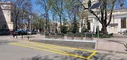 В Одессе ограничивают парковку около мусорных контейнеров