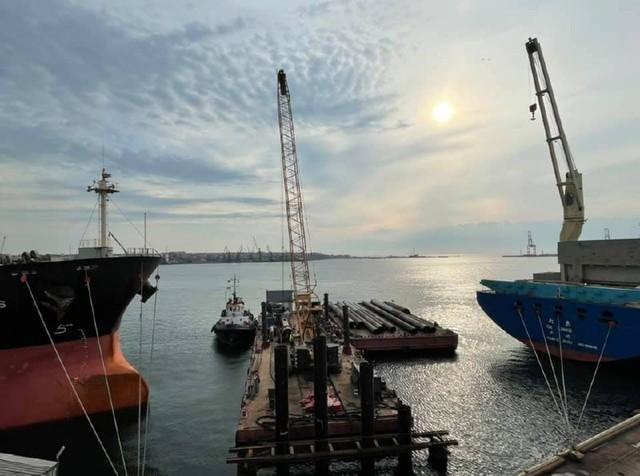 В порту Черноморск началось строительство нового причала