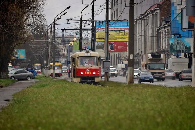 Как в Одессе идут трамваи по улице Водопроводной (ВИДЕО)