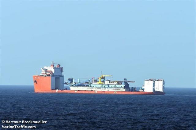 В порт Черноморск прибыло необычное грузовое судно
