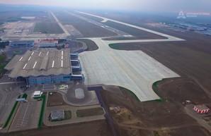 Криклий обещает запустить новую взлетную полосу Одесского аэропорта летом
