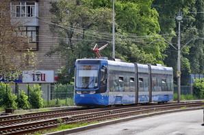 """В КП """"Киепасстранс"""" задерживают зарлпату: водители трамваев и троллейбусов готовятся бастовать"""
