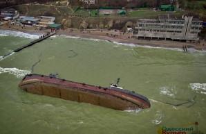 По итогам кораблекрушения в Одессе запретили регистрацию старых и однокорпусных танкеров