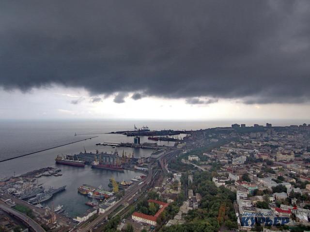 Дождь уже второй день мешает работе портов в Одесской области