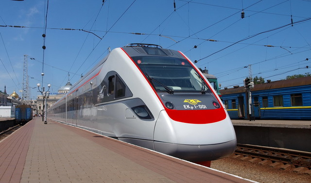 В Одессу назначили два дополнительных поезда