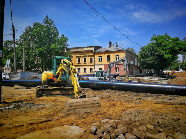 В Одессе масштабно меняют трубы во время ремонта последнего квартала Преображенской (ФОТО)
