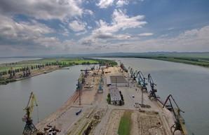 Порт Рени почти наполовину сократил обработку грузов в 2021 году