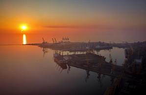 В порту Одессы будут расширять контейнерный терминал на Карантинном молу