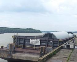 В порту на юге Одесской области разгружают ветрогенераторы (ФОТО)